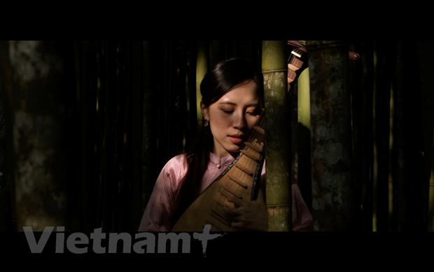 Nghe sy Phap kham pha am nhac Viet Nam thong qua phim tai lieu hinh anh 1