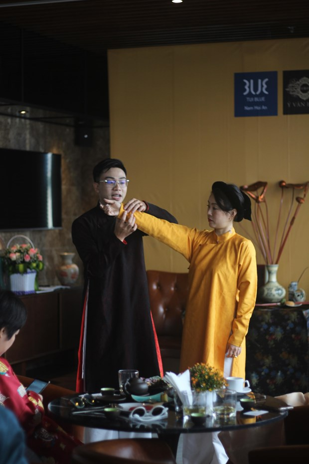 Trao luu phim, MV co trang: Co can phuc dung chinh xac 100%? hinh anh 3