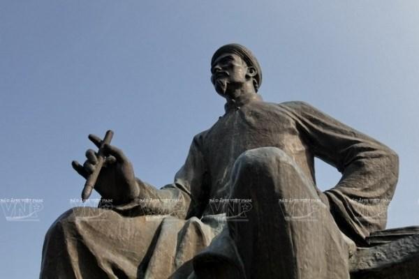 200 nam ngay mat Nguyen Du: Nhung con so 'biet noi' trong Truyen Kieu hinh anh 1