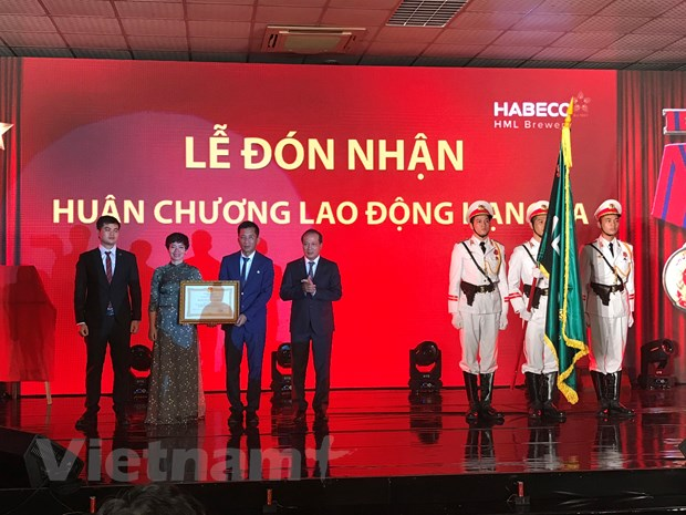 Bia Ha Noi-Me Linh: Tien phong trong dinh huong phat trien ben vung hinh anh 1