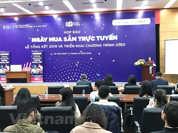 Khuyen mai ''Chi co hang chinh hang'' duoc to chuc thu Sau hang tuan hinh anh 2