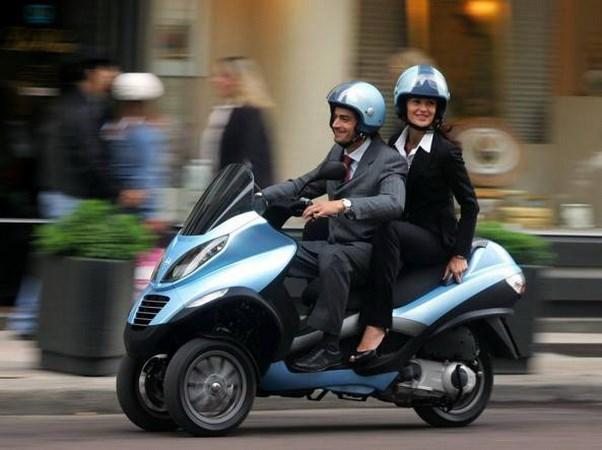 Italy dua hinh thuc