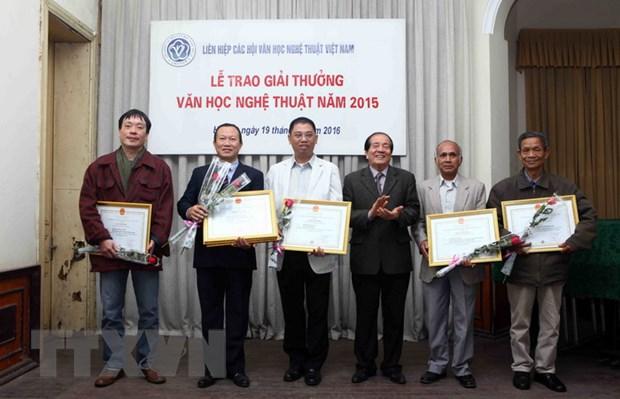 67 tac pham tieu bieu duoc trao Giai thuong Van hoc Nghe thuat 2015 hinh anh 1