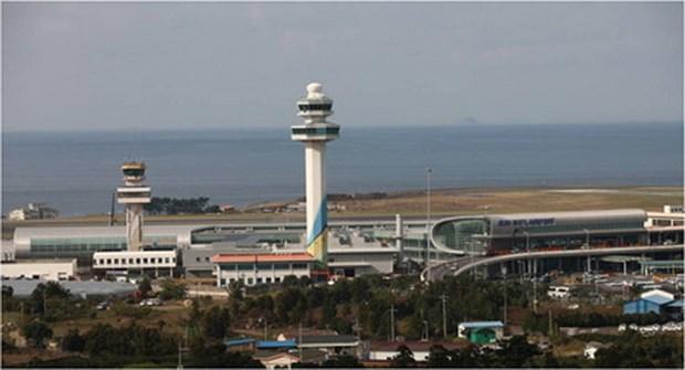 San bay Jeju cua Han Quoc hoat dong tro lai sau vu no lop may bay hinh anh 1