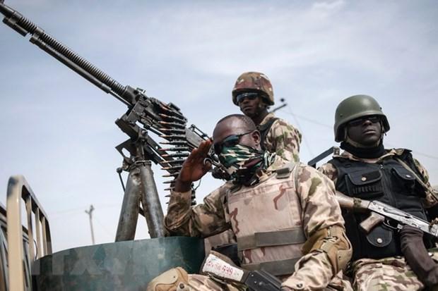 Nigeria dap tan ke hoach tan cong dai su quan My va Anh cua Boko Haram hinh anh 1