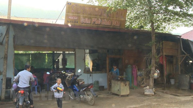 Cong dong nguoi Viet can man muu sinh tren dat Lao hinh anh 1