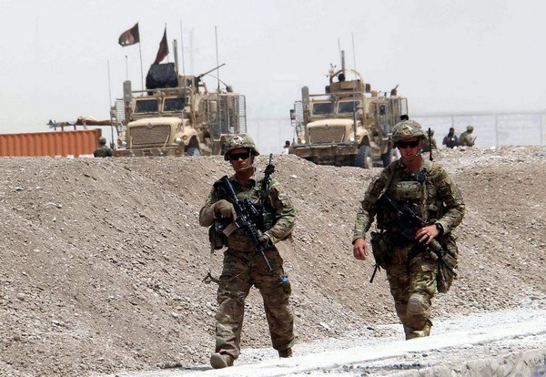 Afghanistan: Taliban danh bom lieu chet nham vao NATO hinh anh 1
