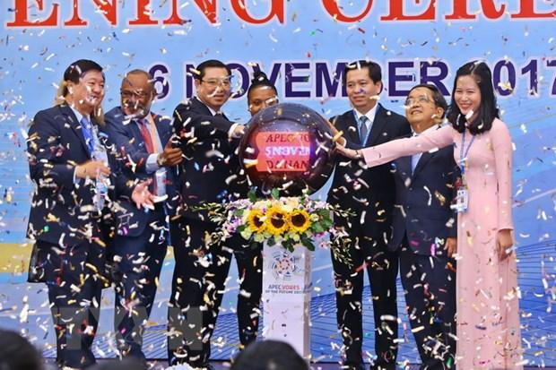 Khai mac Dien dan Tieng noi tuong lai APEC 2017 tai Da Nang hinh anh 2