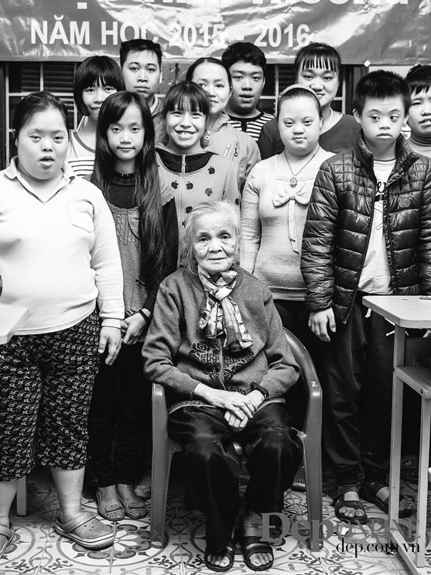 Ba giao 83 tuoi Ho Huong Nam: Toi di day de biet minh dang… song hinh anh 3
