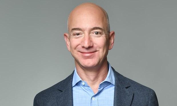 Ong chu cua Amazon Jeff Bezos tro thanh ty phu giau nhat lich su hinh anh 1