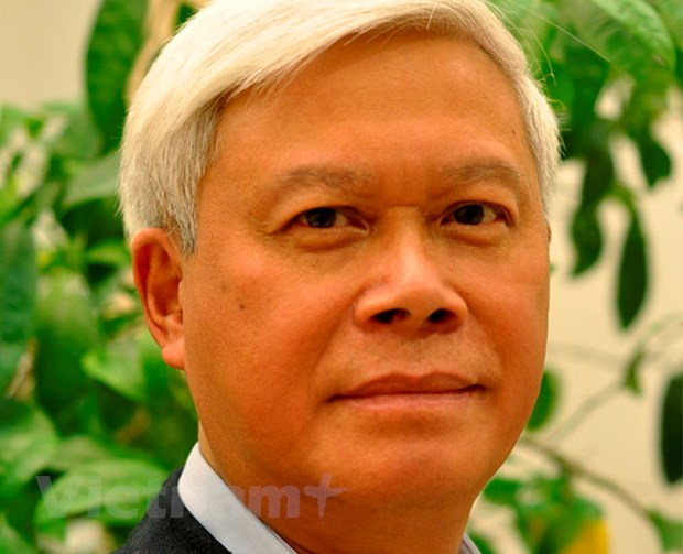 Nha tho Nguyen Huy Hoang: Ve cung nuoc Viet cua ta! hinh anh 1