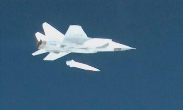 Nga thu thanh cong ten lua sieu thanh Kinzhal tu may bay MiG-31 hinh anh 1