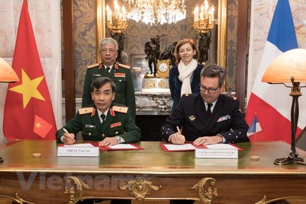 Phap se moi Bo truong Bo Quoc phong Viet Nam tham chinh thuc hinh anh 2