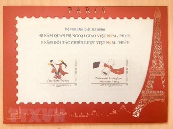 Phat hanh bo tem dac biet ky niem quan he giua Viet Nam va Phap hinh anh 1