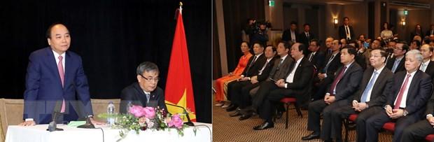 Thu tuong Nguyen Xuan Phuc gap go kieu bao Viet Nam tai Canada hinh anh 3