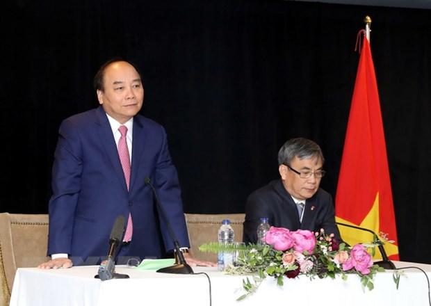Thu tuong Nguyen Xuan Phuc gap go kieu bao Viet Nam tai Canada hinh anh 1