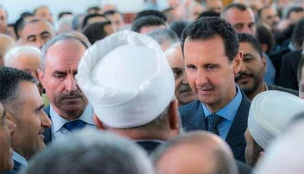 Tong thong Syria Bashar al-Assad xuat hien ben ngoai thu do Damascus hinh anh 1