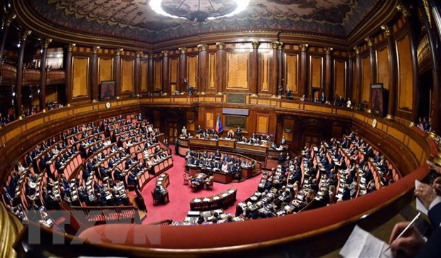 Italy tuyen bo khong sua doi du thao ngan sach theo yeu cau cua EU hinh anh 1