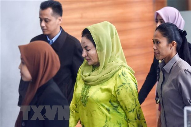 Phu nhan cuu Thu tuong Najib bi buoc toi nhan hoi lo hon 45 trieu USD hinh anh 1