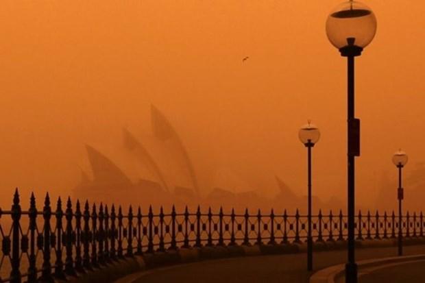 Thanh pho Sydney cua Australia dang chim ngap trong khoi bui hinh anh 1