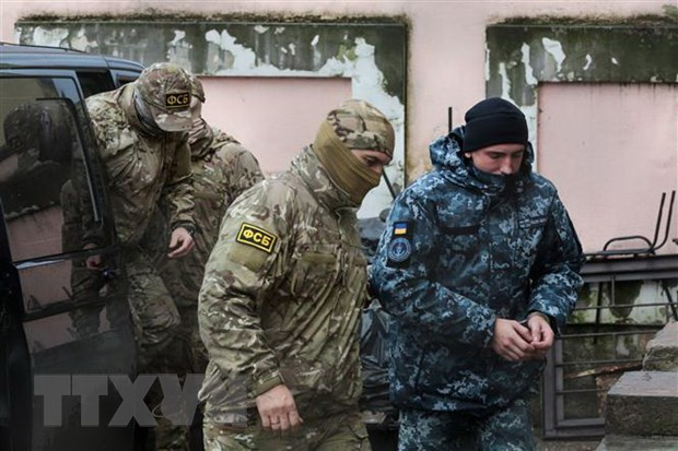 Nga bac bo de nghi cua chau Au tra tu do cho cac thuy thu Ukraine hinh anh 1