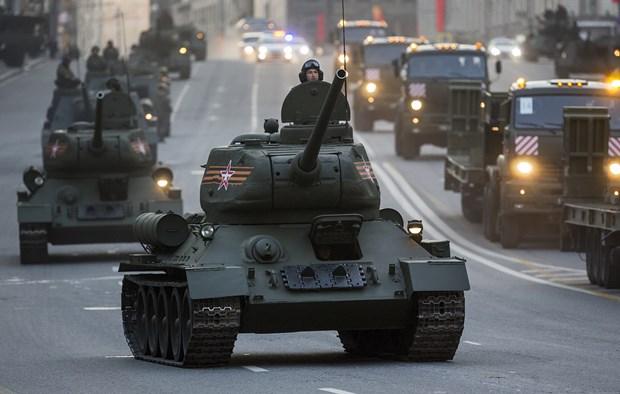Lao tra lai 30 xe tang T-34 huyen thoai thoi Lien Xo cho Nga hinh anh 1