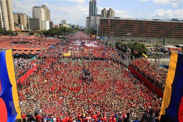Tong thong Peru phan doi can thiep quan su tai Venezuela hinh anh 1