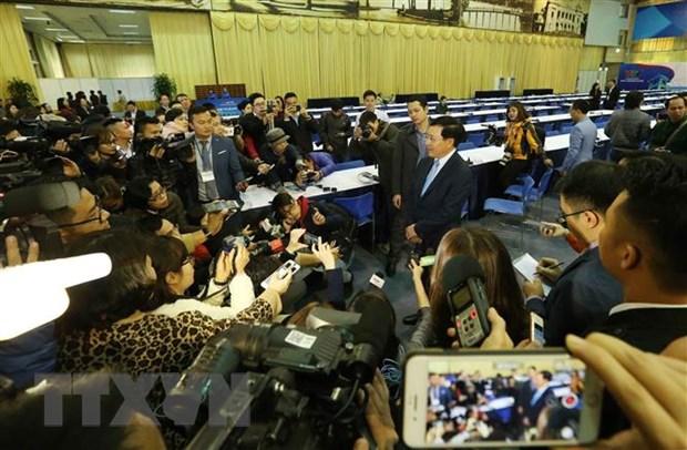 Phó Thủ tướng, Bộ trưởng Bộ Ngoại giao Phạm Bình Minh trả lời phỏng vấn các cơ quan thông tấn, báo chí trong và ngoài nước. Ảnh: Lâm Khánh/TTXVN