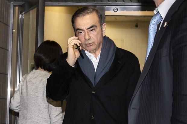 Bon nguoi con cua ong Carlos Ghosn deu duoc Nissan chi tra hoc phi hinh anh 1