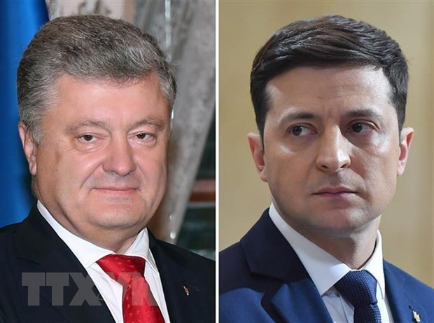Bau cu Ukraine: Dien vien hai Vladimir Zelensky dang chiem uu the hinh anh 1