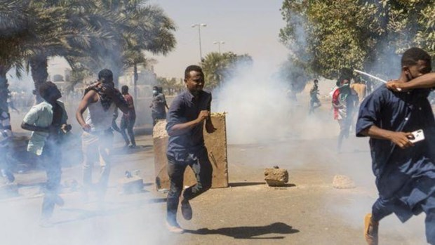 Quan doi Sudan trien khai binh sy quanh tru so Bo Quoc phong hinh anh 1