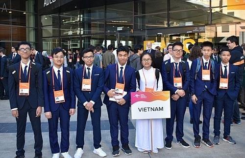[Video] Viet Nam gianh 7 huy chuong Olympic Vat ly chau A hinh anh 1