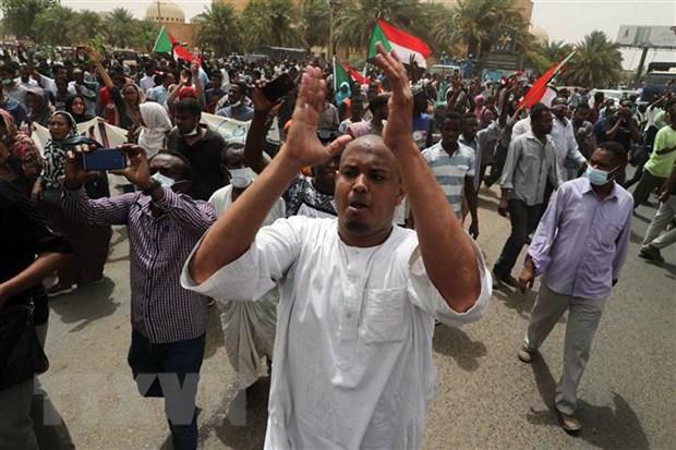 Sudan: Lanh dao quan doi cam ket thuc thi thoa thuan voi phe bieu tinh hinh anh 1