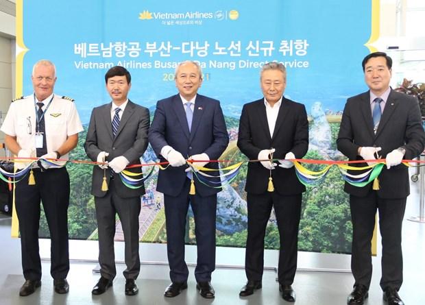 Vietnam Airlines khai truong duong bay thang Busan-Da Nang hinh anh 1