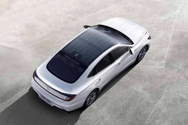 Hang Hyundai ra mat mau xe Sonata 2.0 tiet kiem nhien lieu hinh anh 1