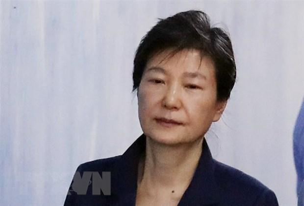 Cuu Tong thong Han Quoc Park Geun-hye bi ket an 5 nam tu giam hinh anh 1
