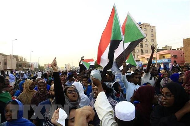 Chinh bien tai Sudan: Cac ben noi lai dam phan ve chia se quyen luc hinh anh 1