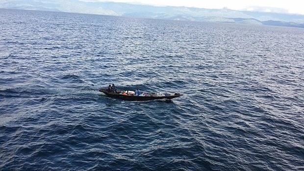 CHDC Congo: Lat thuyen tren ho Kivu, hang chuc nguoi mat tich hinh anh 1