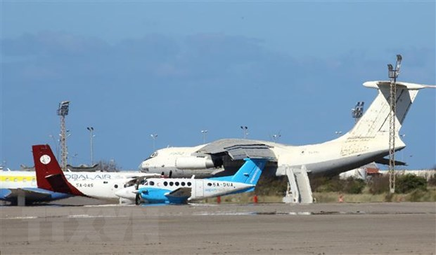 Libya: San bay duy nhat con hoat dong tai Tripoli te liet hinh anh 1