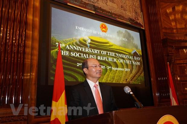Le ky niem lan thu 74 Quoc khanh Viet Nam tai Cong hoa Ao hinh anh 1