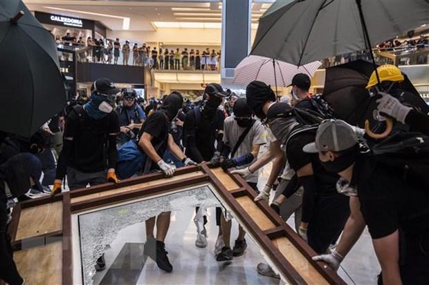 Hong Kong sap ban bo lenh cam bit mat khi tu tap noi cong cong hinh anh 1