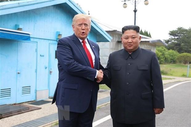 Tong thong Trump am chi ve cu dien dam voi nha lanh dao Trieu Tien hinh anh 1