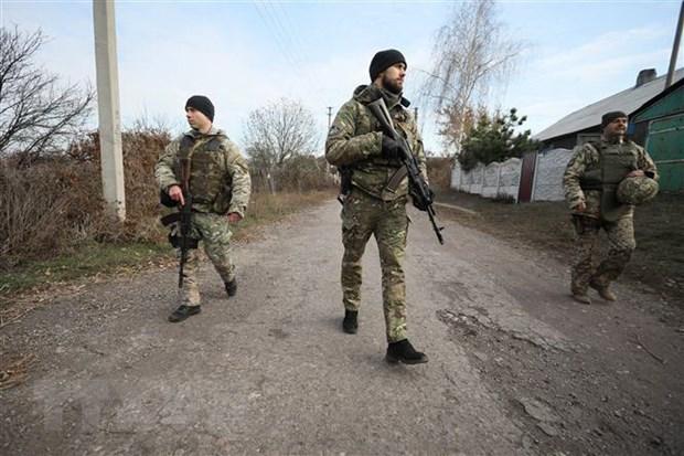 OSCE thong bao thoi diem Ukraine tiep tuc rut quan khoi Donbass hinh anh 1