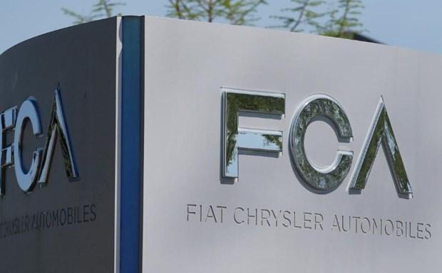 Fiat Chrysler thu hoi gan 700.000 xe SUV de sua chua loi ket noi dien hinh anh 1