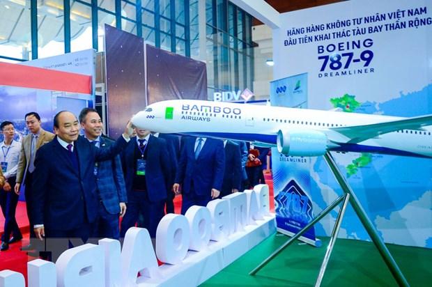 Thu tuong chuc mung Bamboo Airways don may bay than rong dau tien hinh anh 1