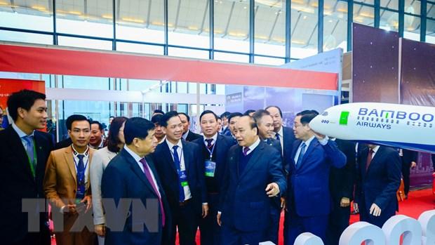 Thu tuong chuc mung Bamboo Airways don may bay than rong dau tien hinh anh 2
