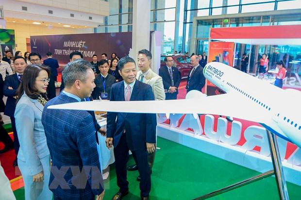 Thu tuong chuc mung Bamboo Airways don may bay than rong dau tien hinh anh 3