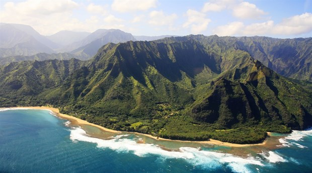 Truc thang du lich cho 7 nguoi bi mat tich o ngoai khoi Hawaii hinh anh 1