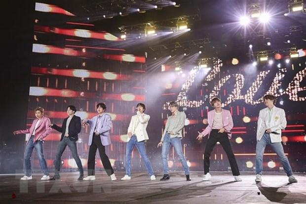 BTS lot top 10 nghe sy thay doi am nhac thap nien 2010 hinh anh 1