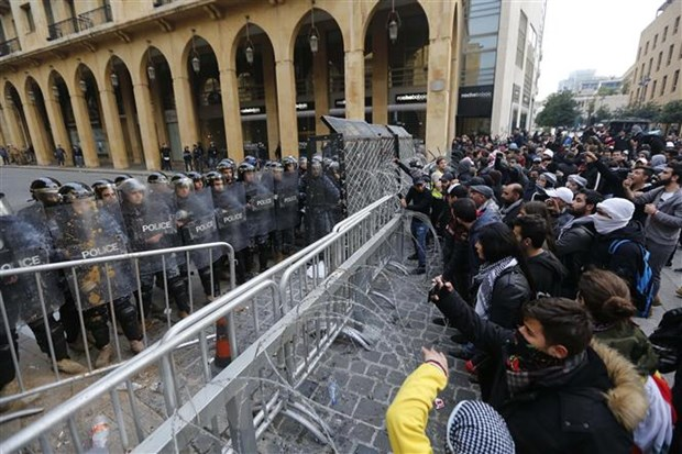 Tong thong Liban Michel Aoun yeu cau khoi phuc binh yen tai Beirut hinh anh 1